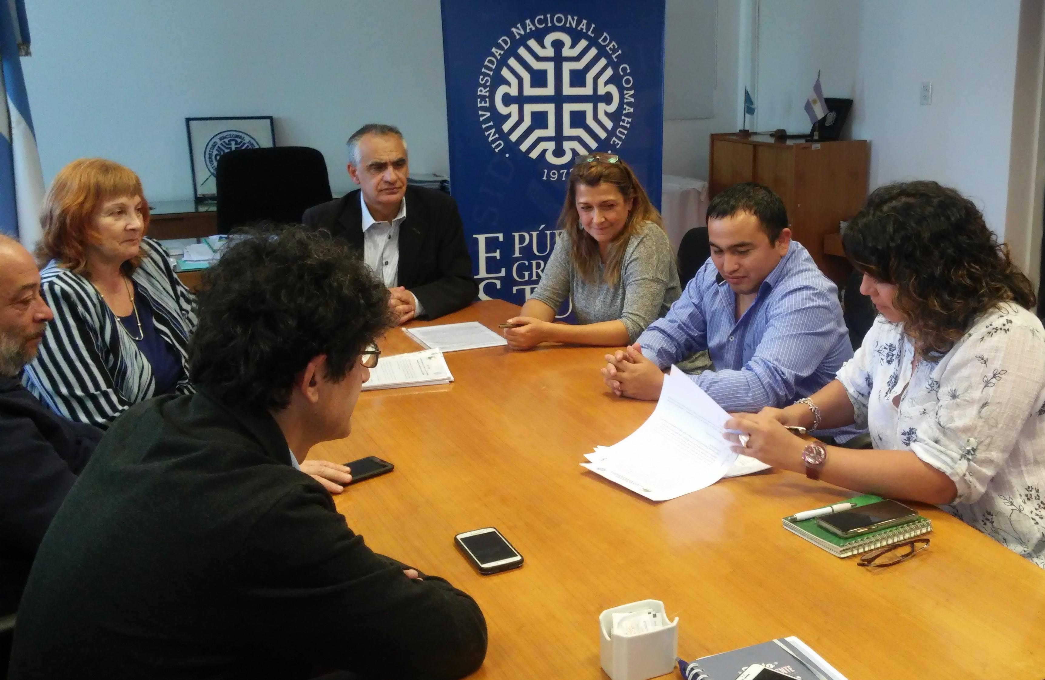 Se aprobó el reglamento del concurso de ingresos y ascenso para el personal no docente de la Universidad Nacional del Comahue.