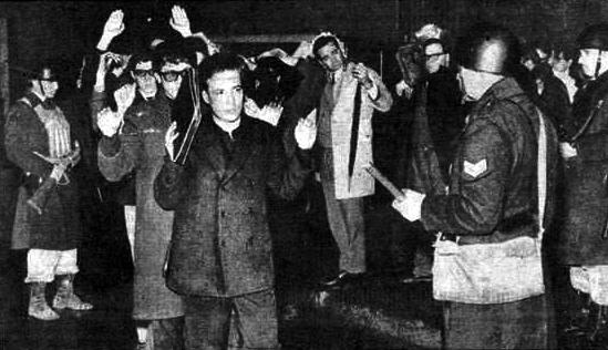"""54 años de """"La noche de los bastones largos"""". #UNComa #UNCo"""